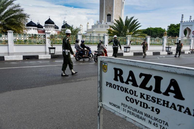 Menteri mengatakan Indonesia akan melihat peningkatan kasus Covid-19 pada pertengahan Juni