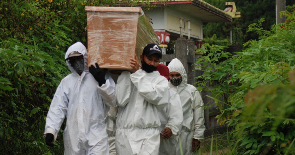 Para ahli memperingatkan tentang wabah COVID-19 di Indonesia: 'Ini akan menjadi sangat buruk' Berita tentang pandemi coronavirus