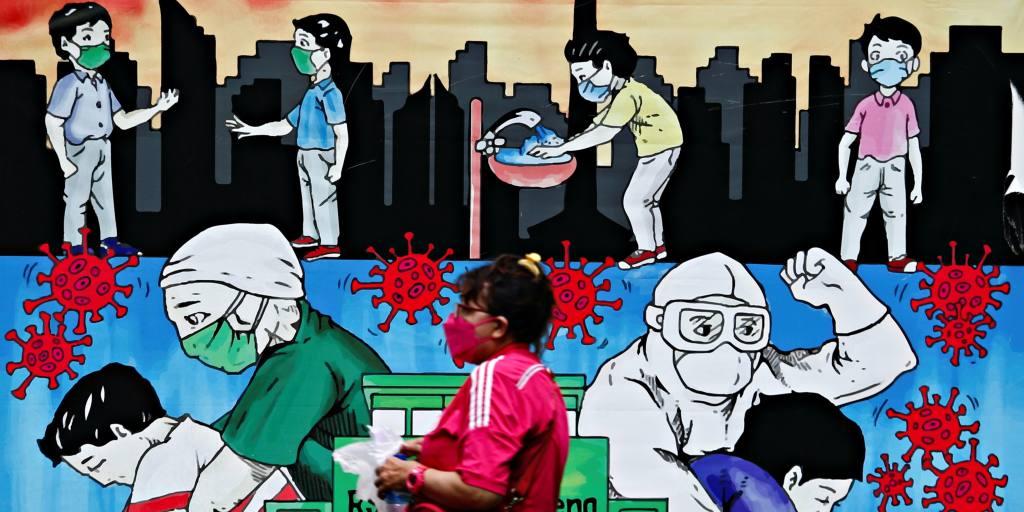 Kasus COVID harian di Indonesia melonjak di atas 20.000 karena ketakutan Delta tumbuh