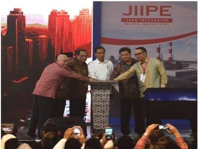 Presiden Jokowi meresmikan JIIPE pada 2018
