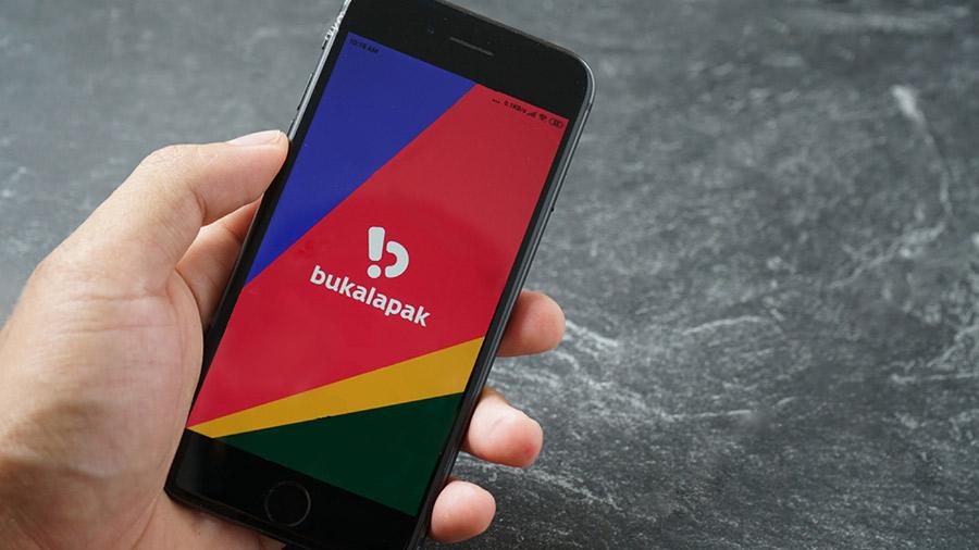 Bukalapak menjadi perusahaan teknologi pertama yang terdaftar di Indonesia