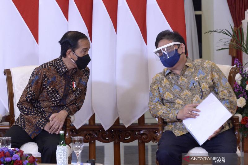 Pemerintah mencari ide dan masukan dari para ekonom: Jokowi