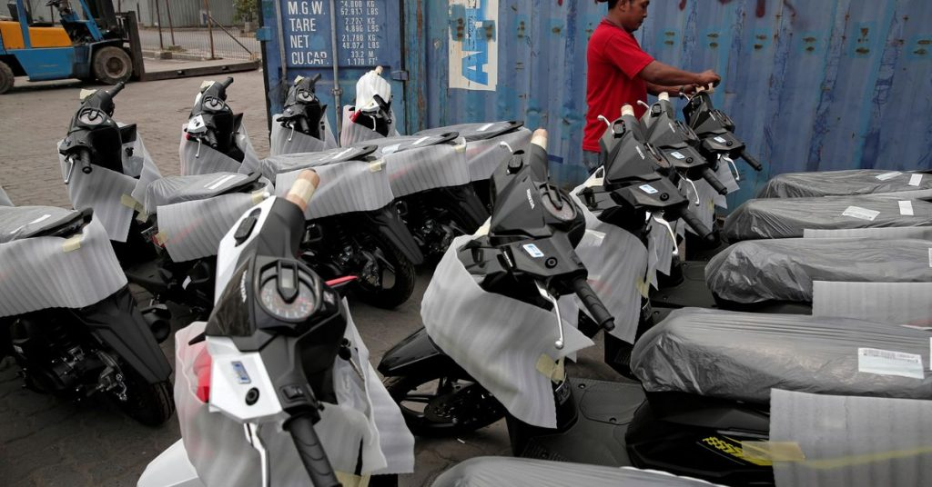Proyek Indonesia untuk mengubah sepeda motor bertenaga bahan bakar menjadi listrik