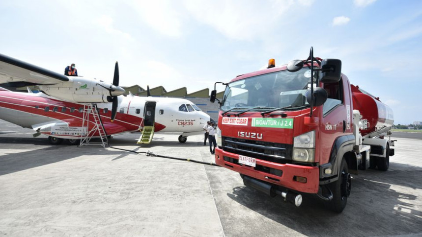 Indonesia terbang menggunakan bahan bakar jet yang dicampur dengan minyak sawit