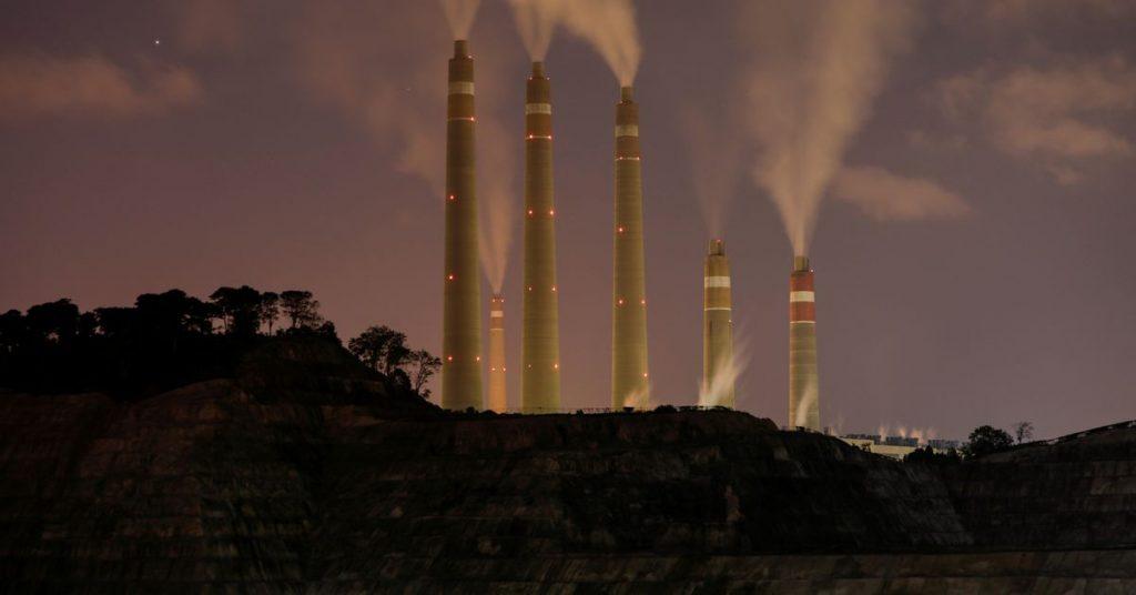 Pajak karbon baru Indonesia menunjukkan kenaikan biaya energi di tengah seruan untuk kejelasan